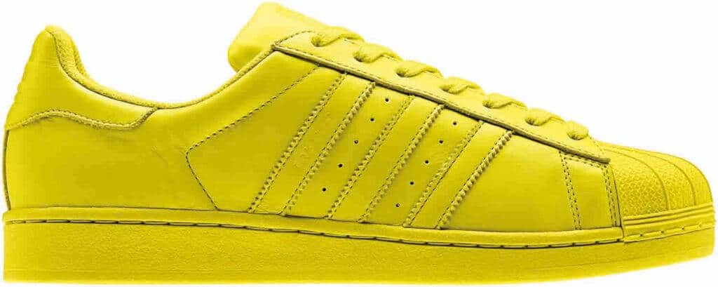 gele adidas superstar
