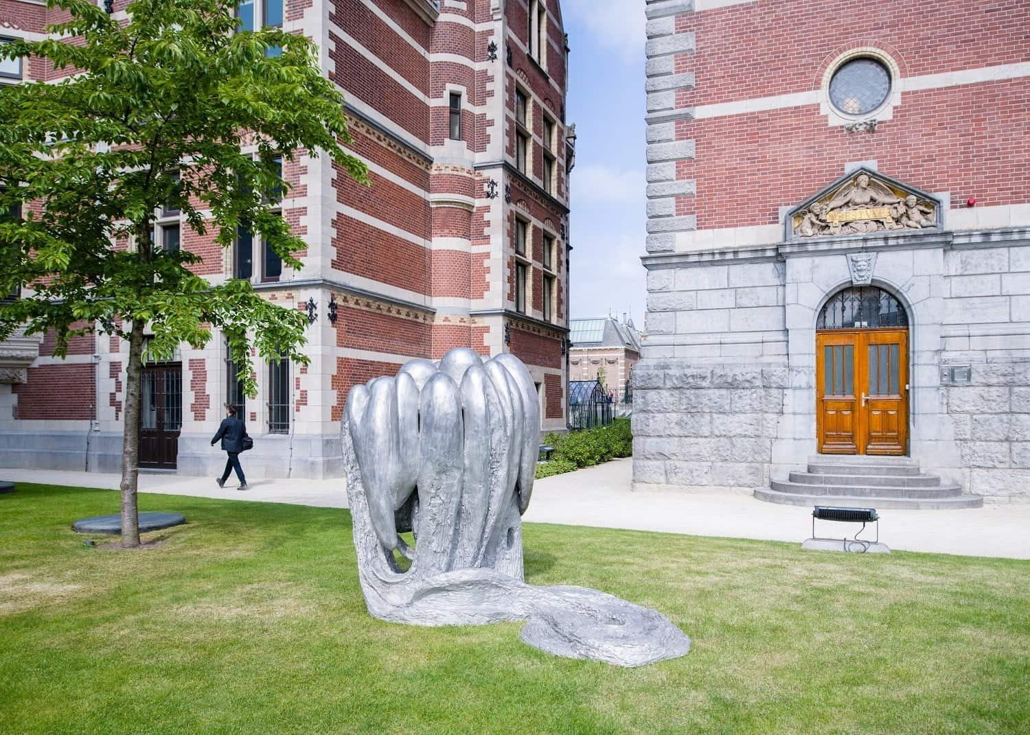 Louise Bourgeois 'In and out #2' 1995-1996, Easton Foundation. Foto: Antoine van Kaam © The Easton Foundation/Pictoright, Amsterdam