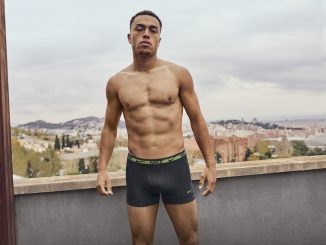 Sergiño Dest is model voor Nike Underwear