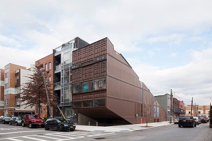 Dit huis in brooklyn is gemaakt van containers mixed grill - Huis in containers ...