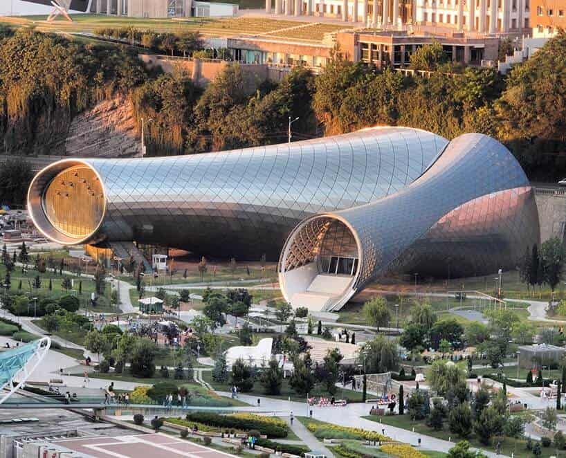 Rhike Park Music Theater and Exhibition Hall in Tbilisi, Georgië door Fuksas / Foto : Joel Rookwood