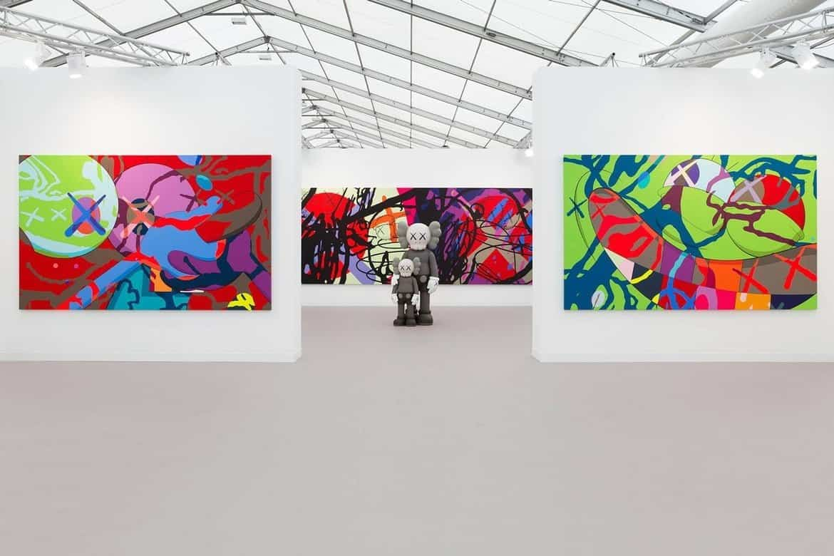 KAWS op Frieze Art Fair
