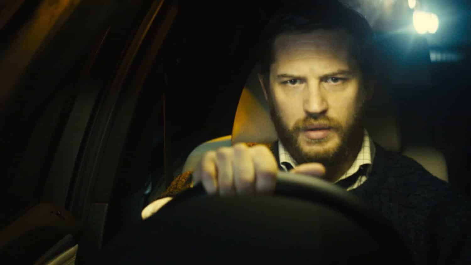 tom hardy in de auto