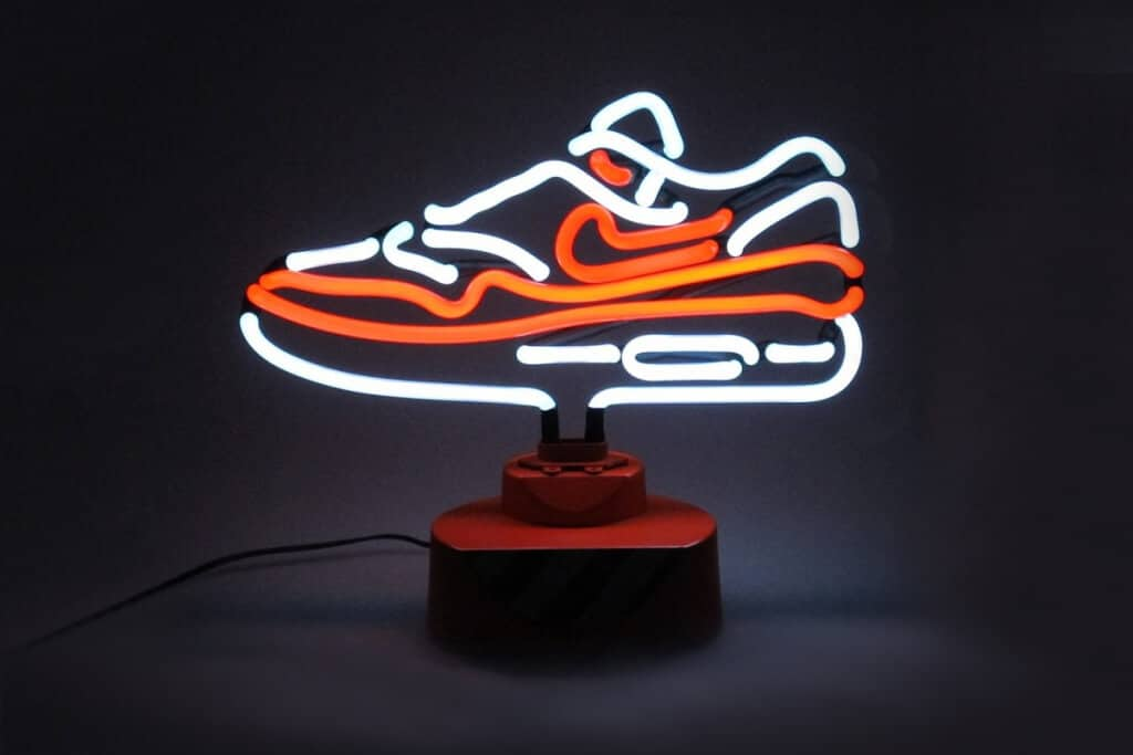 Nike Air Max 1 als neonlamp Mixed Grill
